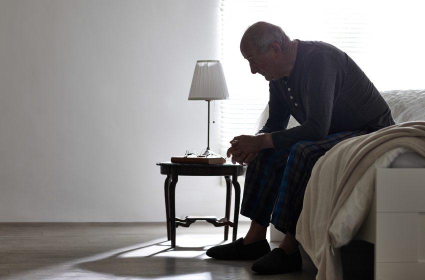Por que os idosos estão usando Cannabis para dormir?
