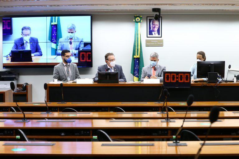 7 falácias contadas na Comissão Especial de Cannabis