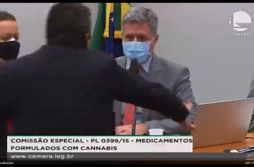 Paulo Teixeira irá acionar Conselho de Ética contra deputado que o agrediu