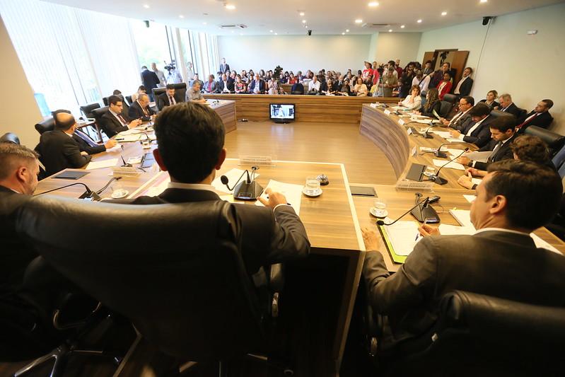 Paraná discute lei de incentivo à cannabis medicinal